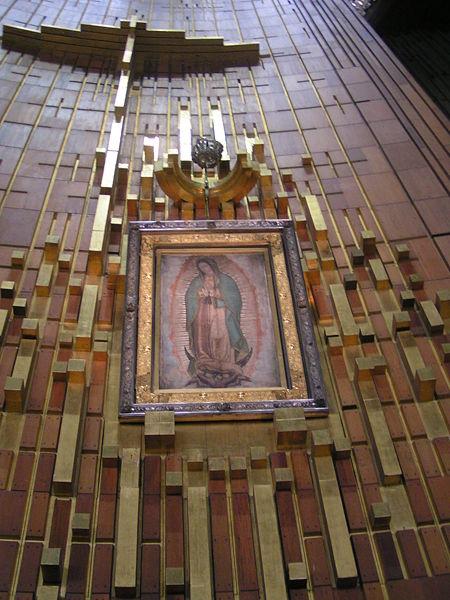 Interior da atual Basílica de Nossa Senhora de Guadalupe
