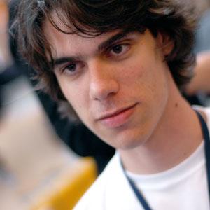Thiago Mobilon é dono do blog-empresa: www.tecnoblog.com.br