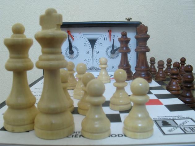 Pesquisas comprovam: A prática do xadrez ajuda no processo educativo. Foto: Naldo Gomes